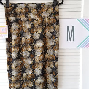 New LuLaRoe Cassie Skirt-Black/Mustard